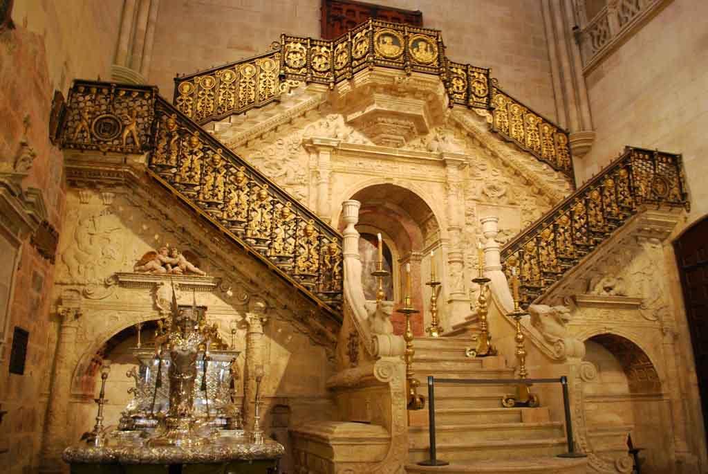 Catedral-de-Burgos_la escalera dorada