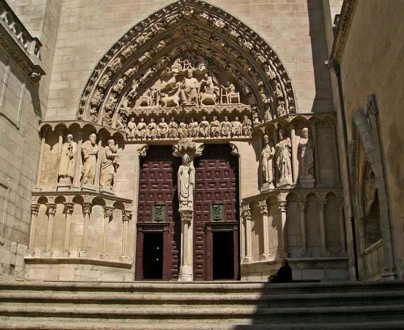 burgos_catedral_puerta_sarmental_entera
