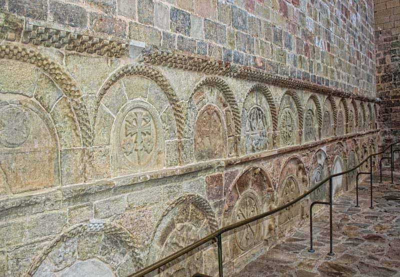 nichos de los nobles san juan de la peña