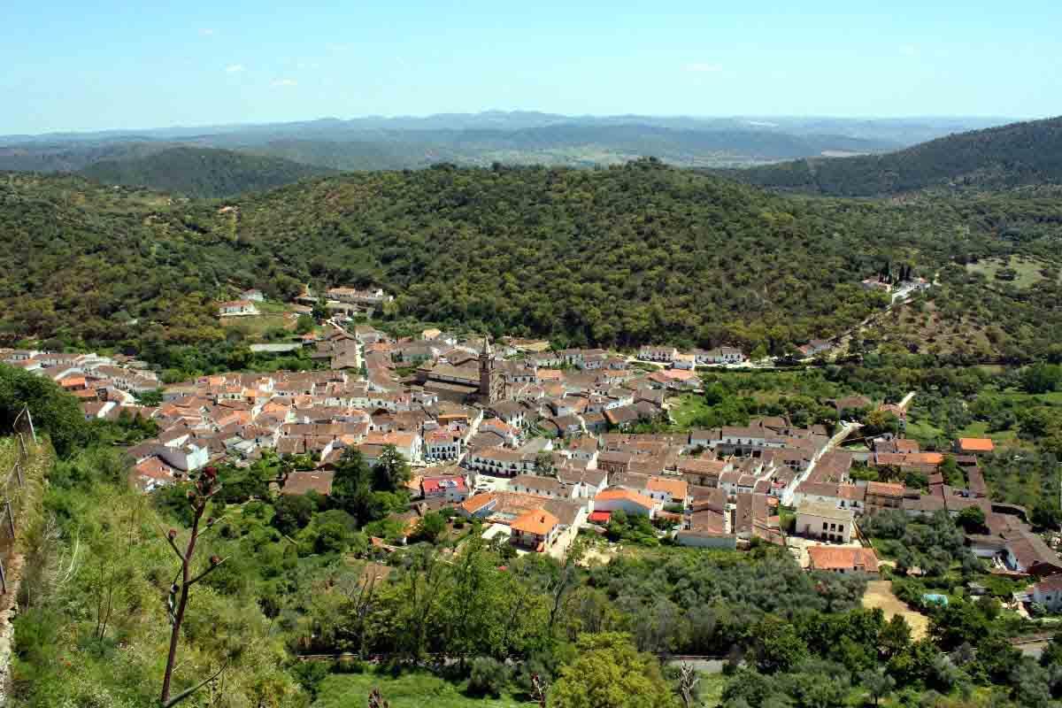 Los Tres Ibericos - Granada • Si Vas A Calatayud • La Violetera • Angelito Negros