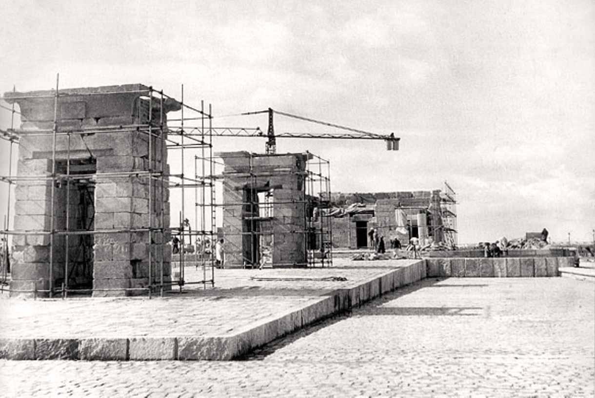 reconstruccion templo de debod