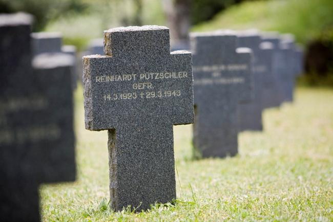 inscripciones piedras cementerio de yuste
