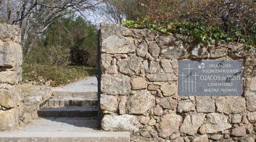 entrada cementerio de yuste