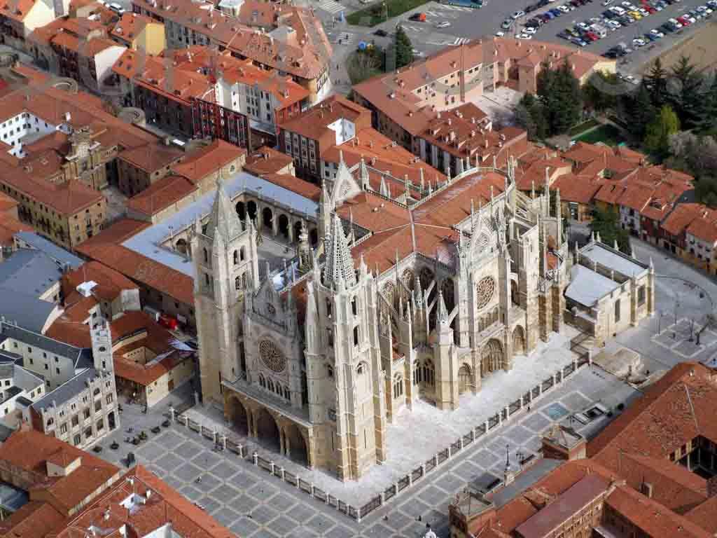 catedral-de-leon-vista-aerea