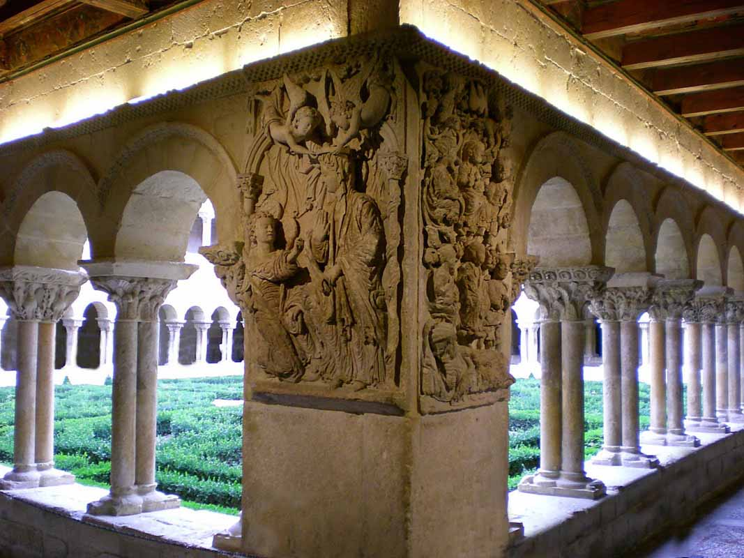 claustro-monasterio-de-santo-domingo-de-silos-4