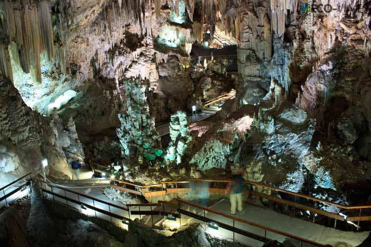cueva-de-nerja-galerias-bajas