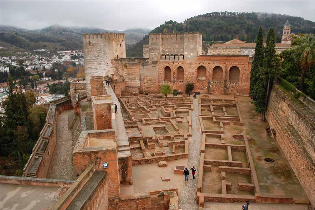 la-alhambra-de-granada-alcazaba