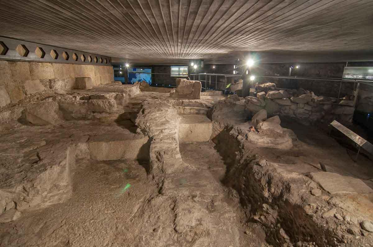 Torre-de-Hercules-restos-romanos