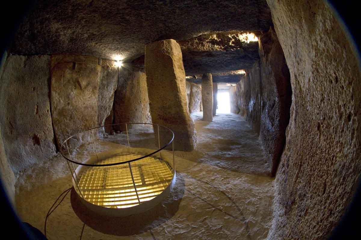 dolmen-de-menga-interior