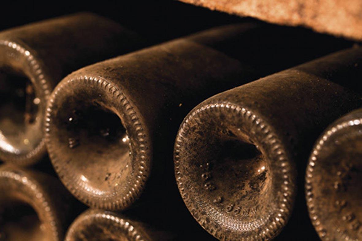 el-vino-español-envejecimiento-botella