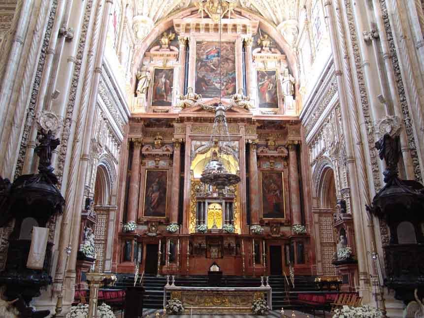 Mezquita-de-Cordoba-catedral-retablo