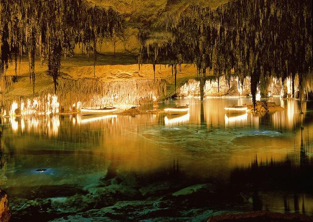 cuevas-del-drach-barca-efectos-luminosos