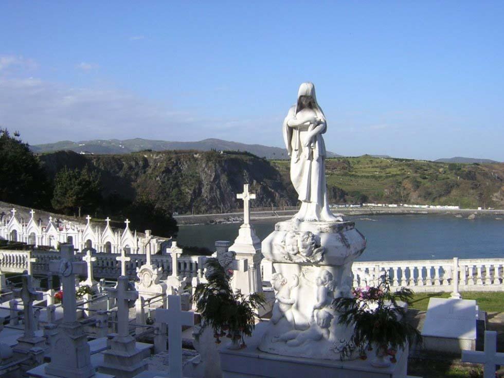 cementerio-de-luarca-3